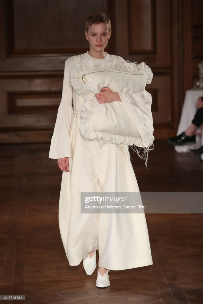 Mother Of Pearl - Runway - LFW September 2017