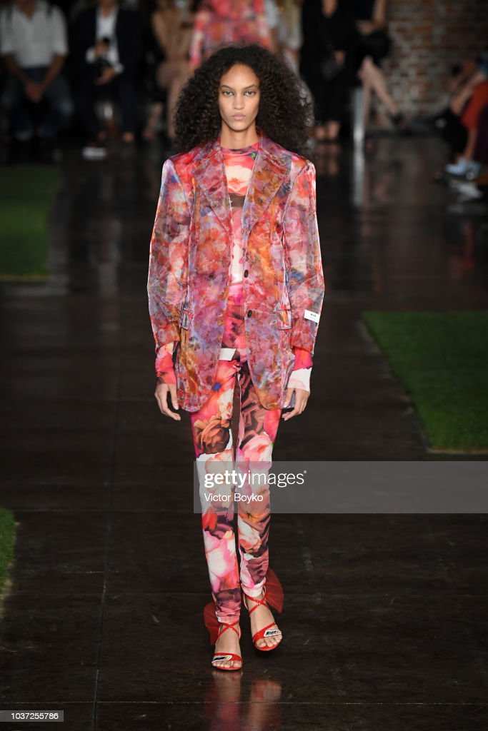 model-walks-the-runway-at-the-msgm-show-during-milan-fashion-week-picture-id1037255786