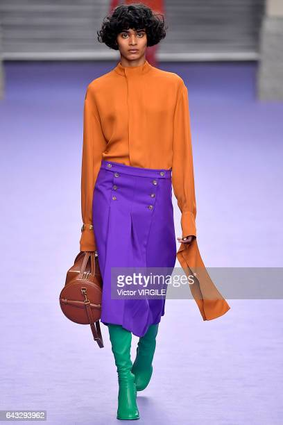 A model walks the runway at the Mulberry Ready to Wear Fall Winter 20172018 fashion show during the London Fashion Week February 2017 collections on...