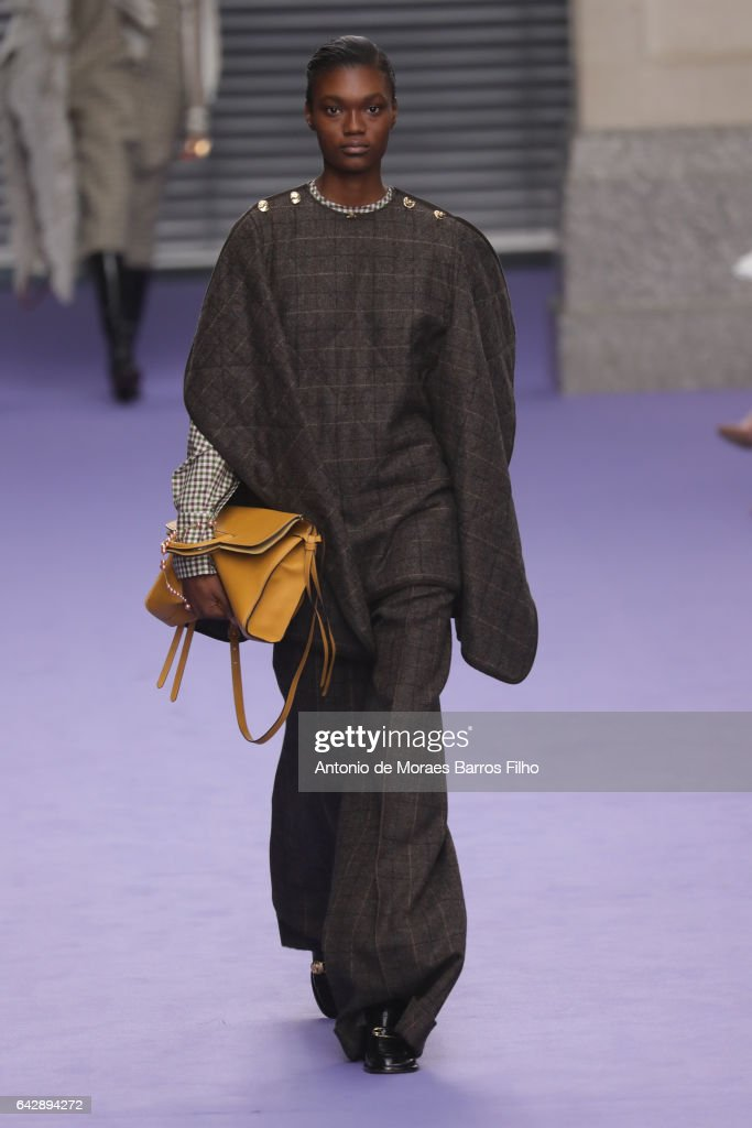 Mulberry - Runway - LFW February 2017 : News Photo