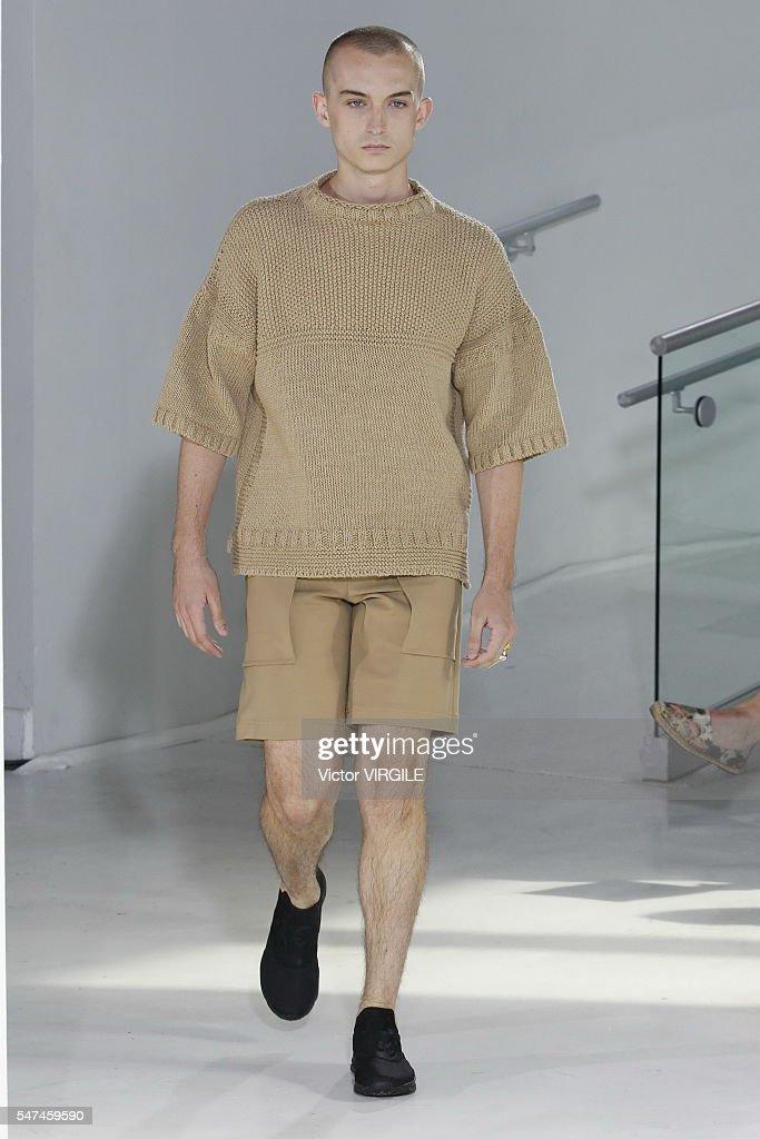 N. Hoolywood - Runway - New York Fashion Week: Men's S/S 2017 : News Photo