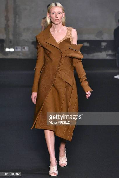 A model walks the runway at the N21 Ready to Wear Fall/Winter 20192020 fashion show during Milan Fashion Week Autumn/Winter 2019/20 on February 20...