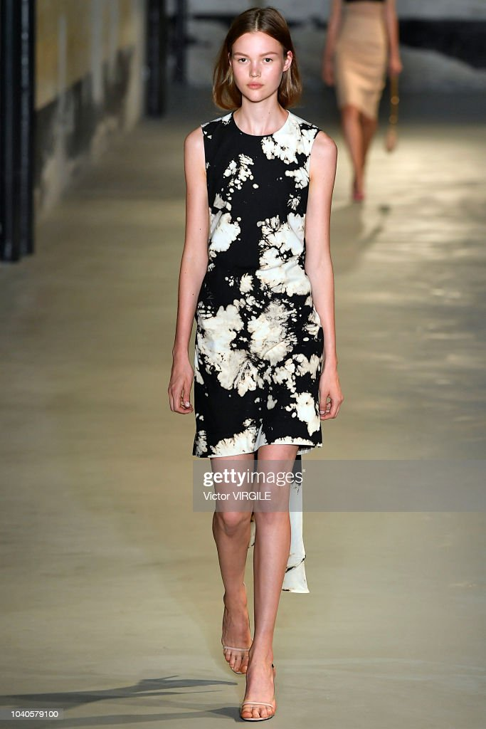 model-walks-the-runway-at-the-n21-ready-to-wear-fashion-show-during-picture-id1040579100