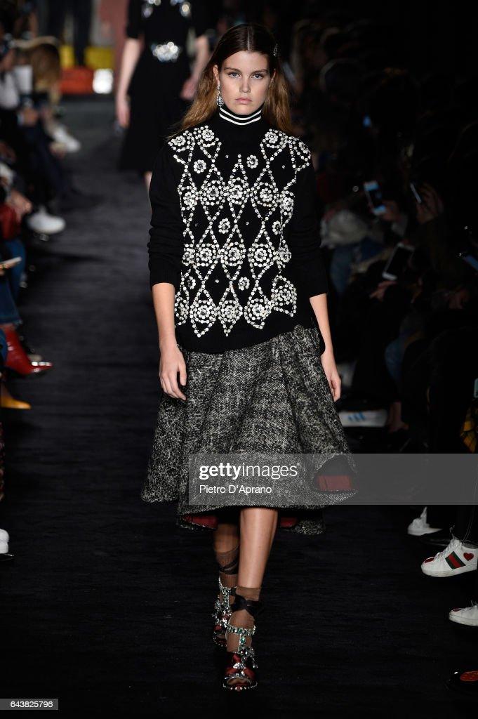 N.21 - Runway - Milan Fashion Week Fall/Winter 2017/18 : News Photo