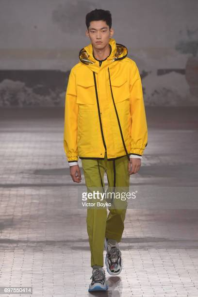 Model walks the runway at the N.21 show during Milan Men's Fashion Week Spring/Summer 2018 on June 19, 2017 in Milan, Italy.