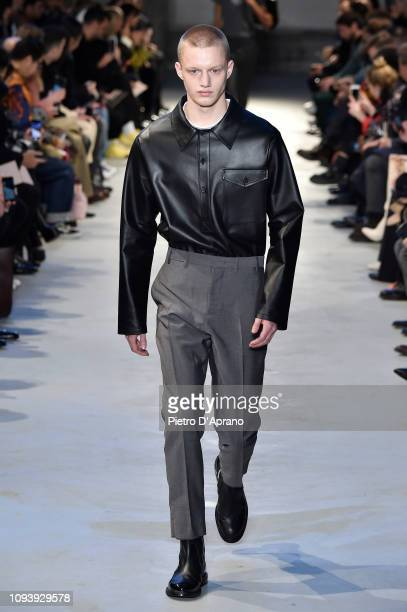 Model walks the runway at the N.21 show during Milan Menswear Fashion Week Autumn/Winter 2019/20 on January 14, 2019 in Milan, Italy.