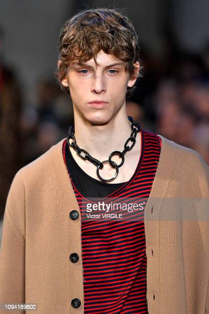 A model walks the runway at the N21 show during Milan Menswear Fashion Week Autumn/Winter 2019/20 on January 14 2019 in Milan Italy