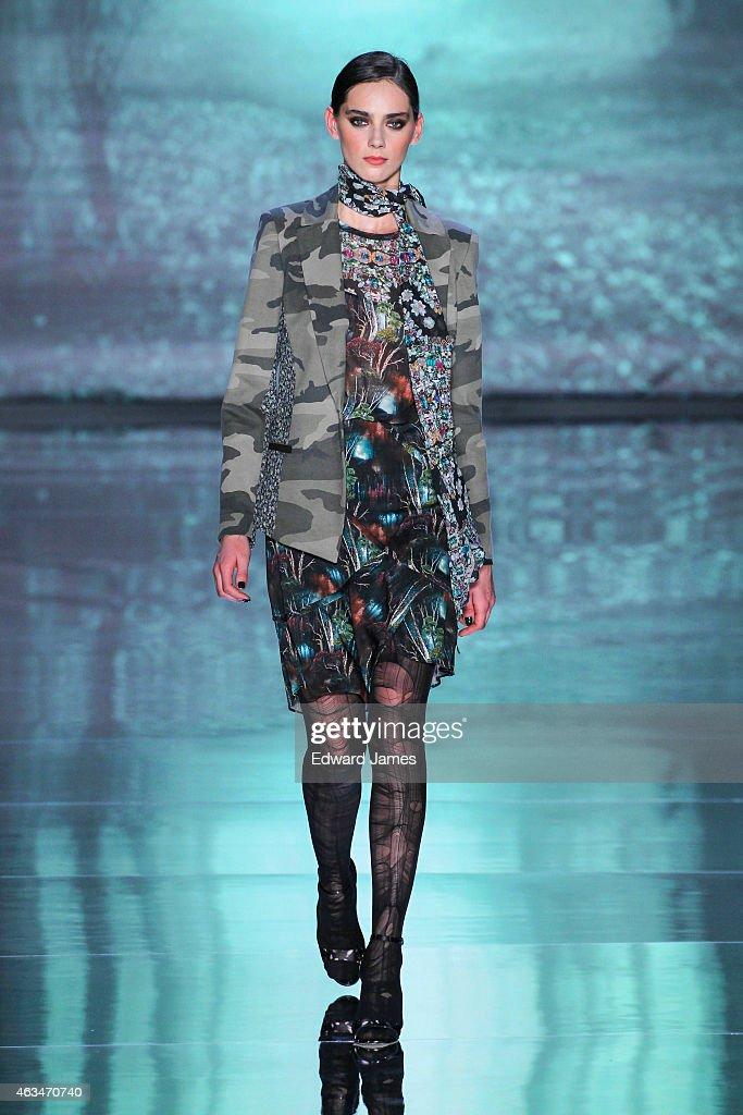 Nicole Miller - Runway - Mercedes-Benz Fashion Week Fall 2015 : News Photo
