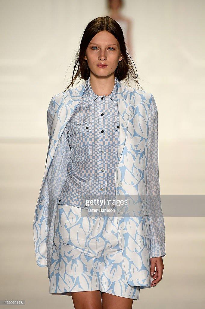 Noon By Noor - Runway - Mercedes-Benz Fashion Week Spring 2015 : News Photo