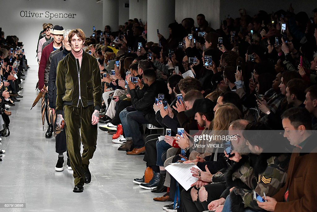 Oliver Spencer - Runway - LFW Men's January 2017 : News Photo