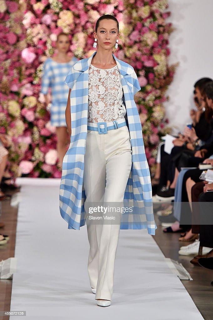 Oscar De La Renta - Runway - Mercedes-Benz Fashion Week Spring 2015 : News Photo