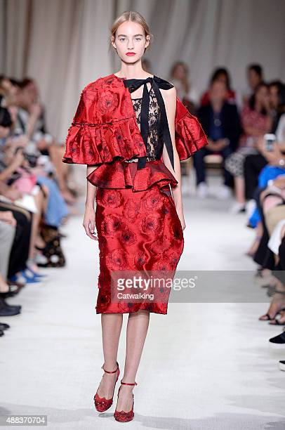 A model walks the runway at the Oscar de la Renta Spring Summer 2016 fashion show during New York Fashion Week on September 15 2015 in New York...