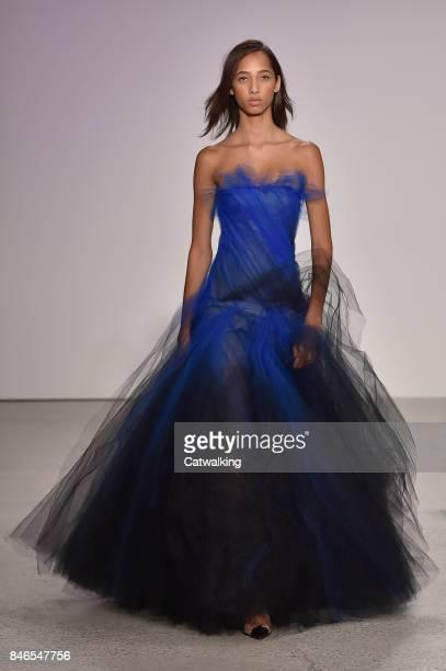 Model walks the runway at the Oscar de la Renta Spring Summer 2018 fashion show during New York Fashion Week on September 11, 2017 in New York,...