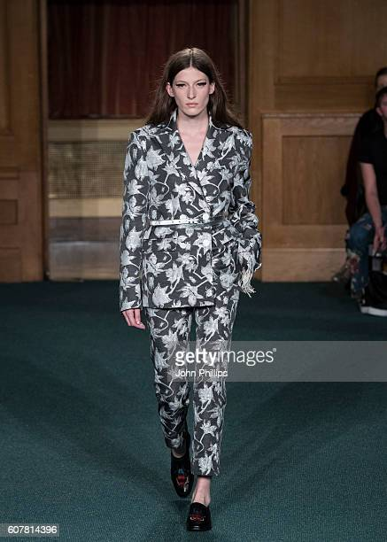 A model walks the runway at the OSMAN show during London Fashion Week Spring/Summer collections 2017 on September 19 2016 in London United Kingdom