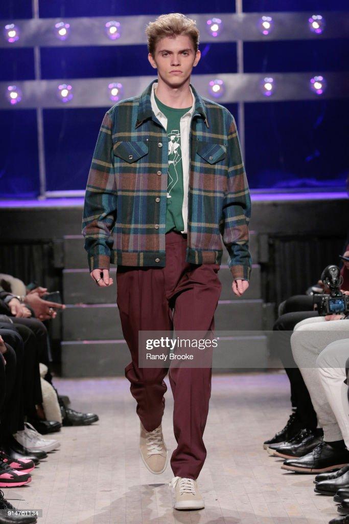 Ovadia & Sons - Runway - February 2018 - New York Fashion Week: Mens' : News Photo