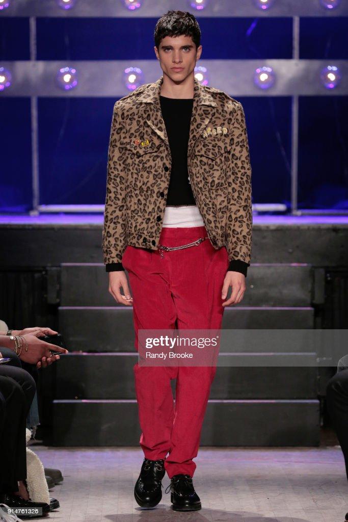 Ovadia & Sons - Runway - February 2018 - New York Fashion Week: Mens' : Nachrichtenfoto