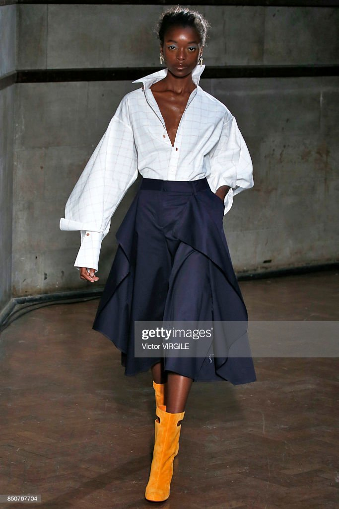 A model walks the runway at the Palmer Harding Ready to Wear Spring/Summer 2018 fashion show during London Fashion Week September 2017 on September 19, 2017 in London, England
