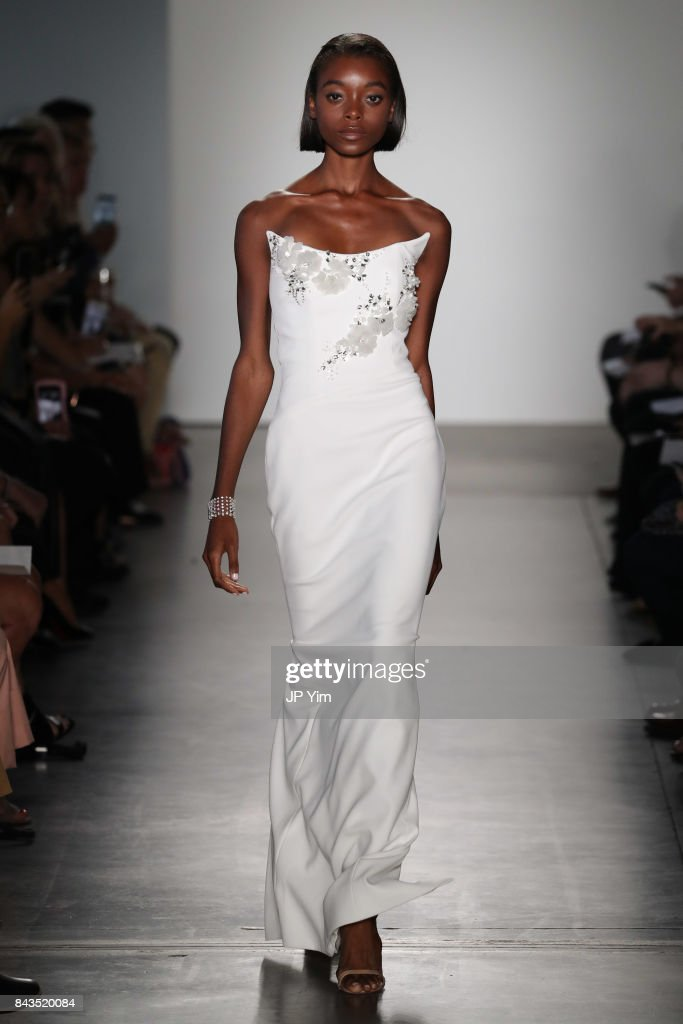Pamella Roland - Runway - September 2017 - New York Fashion Week : ニュース写真