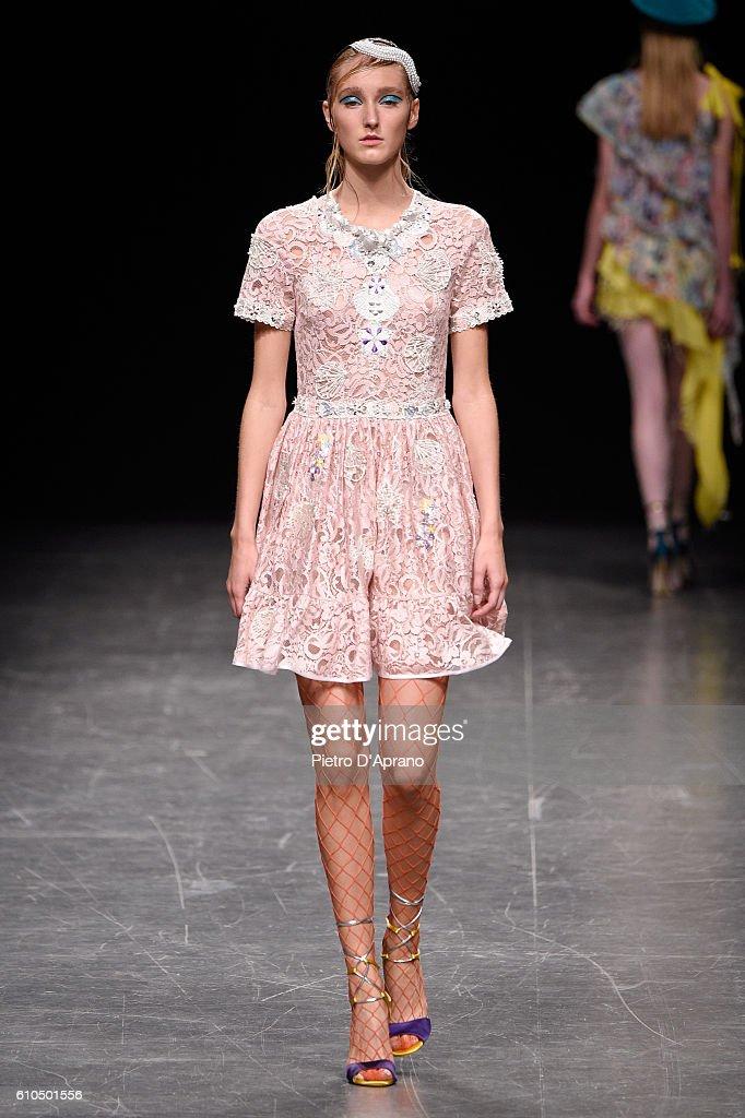 Piccione.Piccione - Runway - Milan Fashion Week SS17 : News Photo