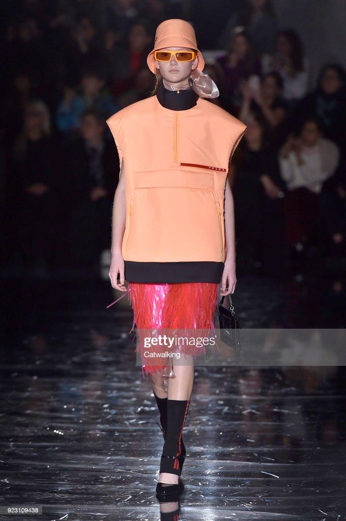 Prada - Runway RTW - Fall 2018 - Milan Fashion Week