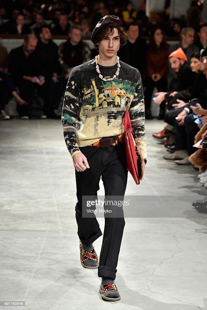 Prada - Runway - Milan Men's Fashion Week Fall/Winter 2017/18 : News Photo