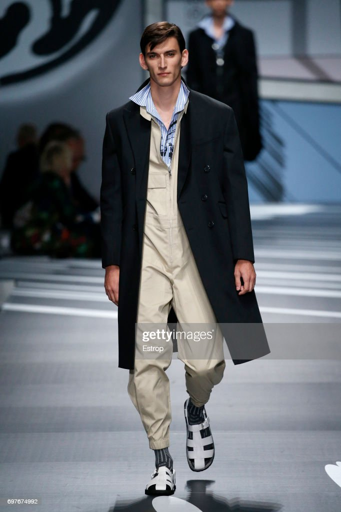 Prada - Runway - Milan Men's Fashion Week Spring/Summer 2018 : ニュース写真