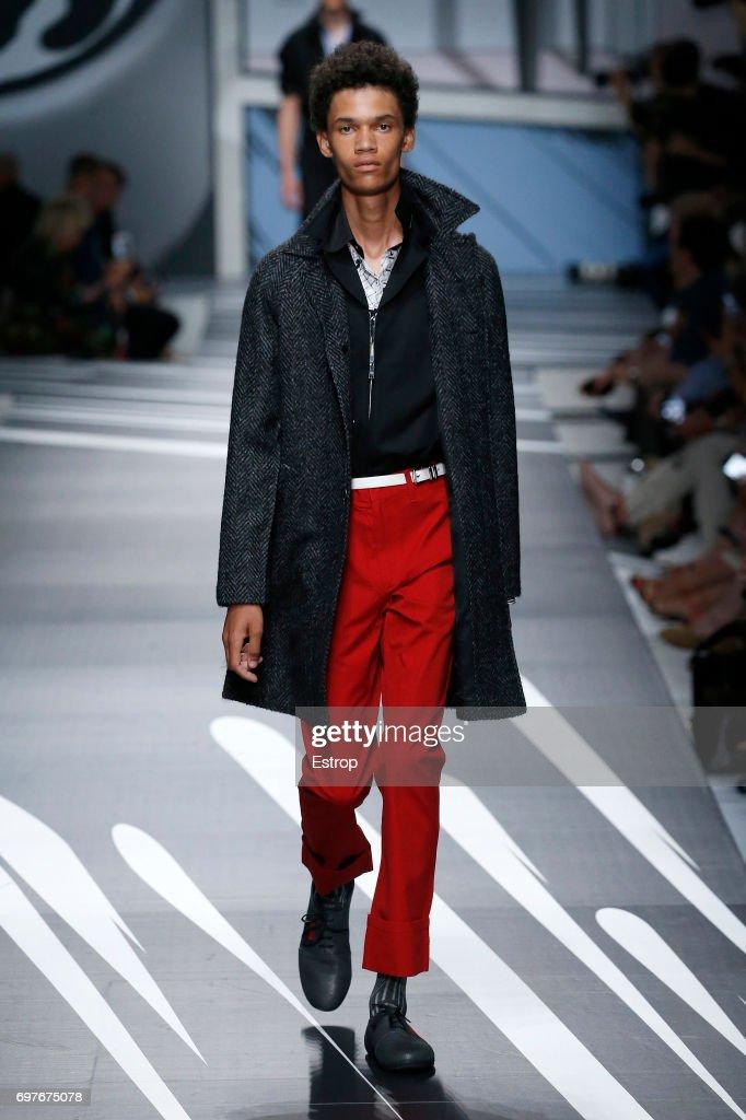 Prada - Runway - Milan Men's Fashion Week Spring/Summer 2018 : ニュース写真