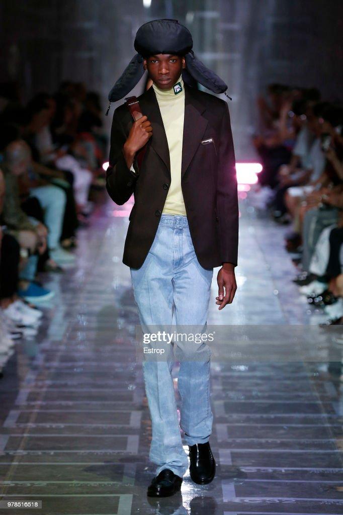 Prada - Runway - Milan Men's Fashion Week Spring/Summer 2019 : ニュース写真