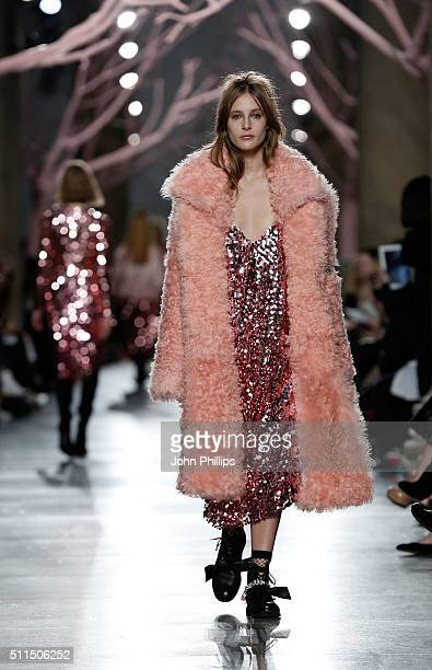 A model walks the runway at the Preen by Thornton Bregazzi show during London Fashion Week Autumn/Winter 2016/17 at TopShop Show Space on February 21...