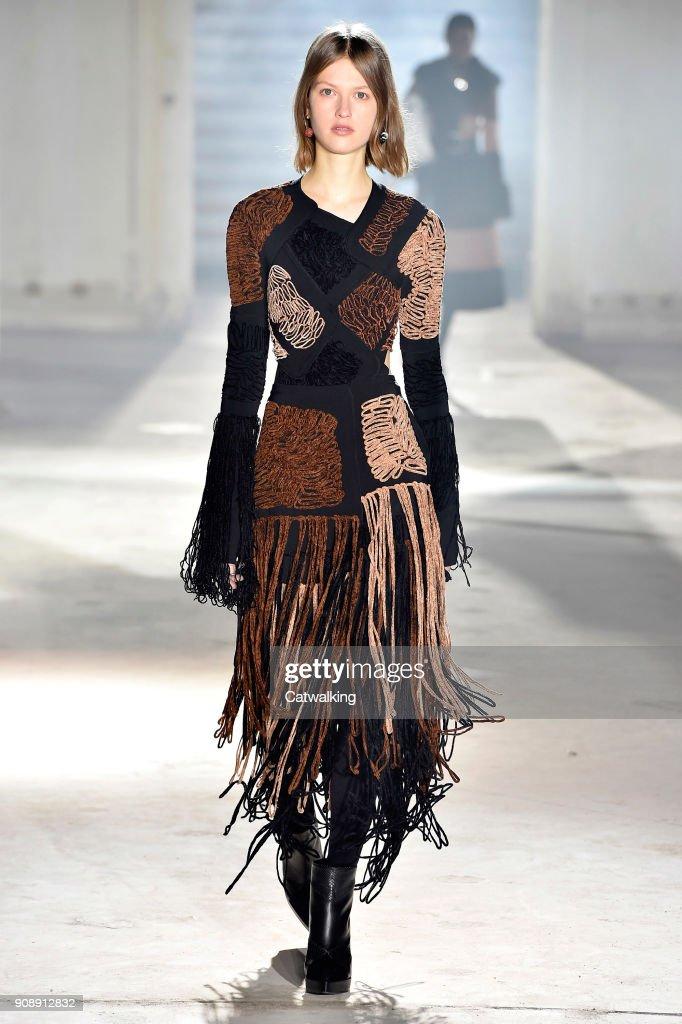 Proenza Schouler - Fall Winter 2018 Runway - Paris Haute Couture Fashion Week