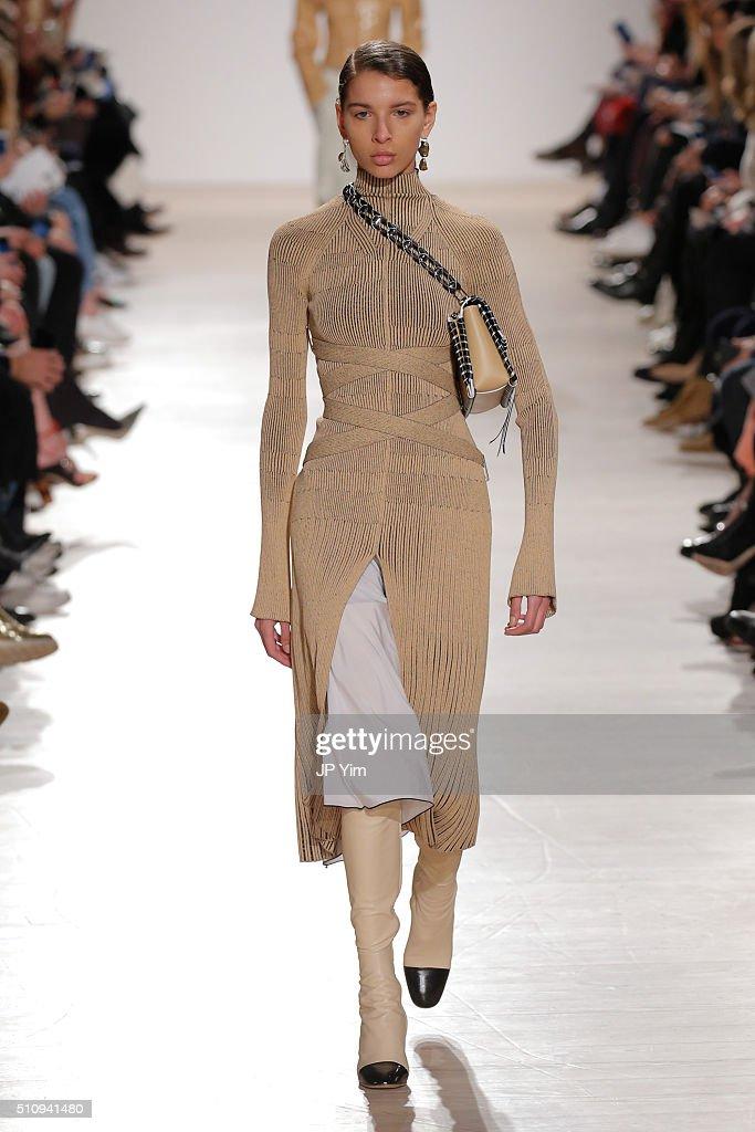 Proenza Schouler - Runway - Fall 2016 New York Fashion Week : News Photo