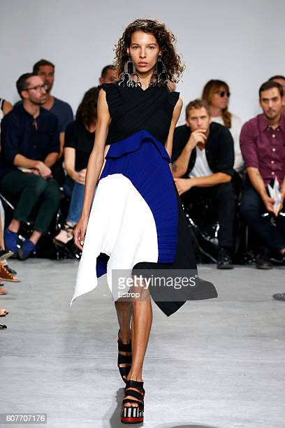 A model walks the runway at the Proenza Schouler show designed by Jack McCollough Lázaro Hernández at The Whitney Museum of American Art on September...
