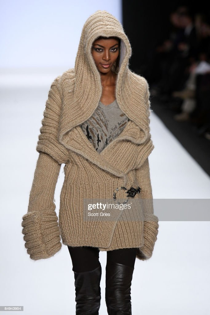 Project Runway - Runway - Fall 09 MBFW : News Photo