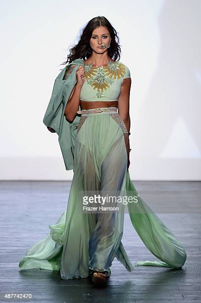 A model walks the runway at the Project Runway fashion show during Spring 2016 New York Fashion Week The Shows at The Arc Skylight at Moynihan...