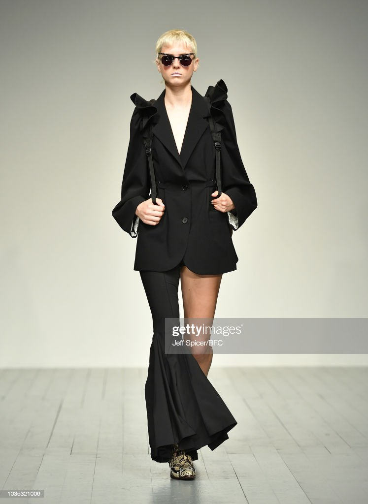 pushBUTTON - Runway - LFW September 2018