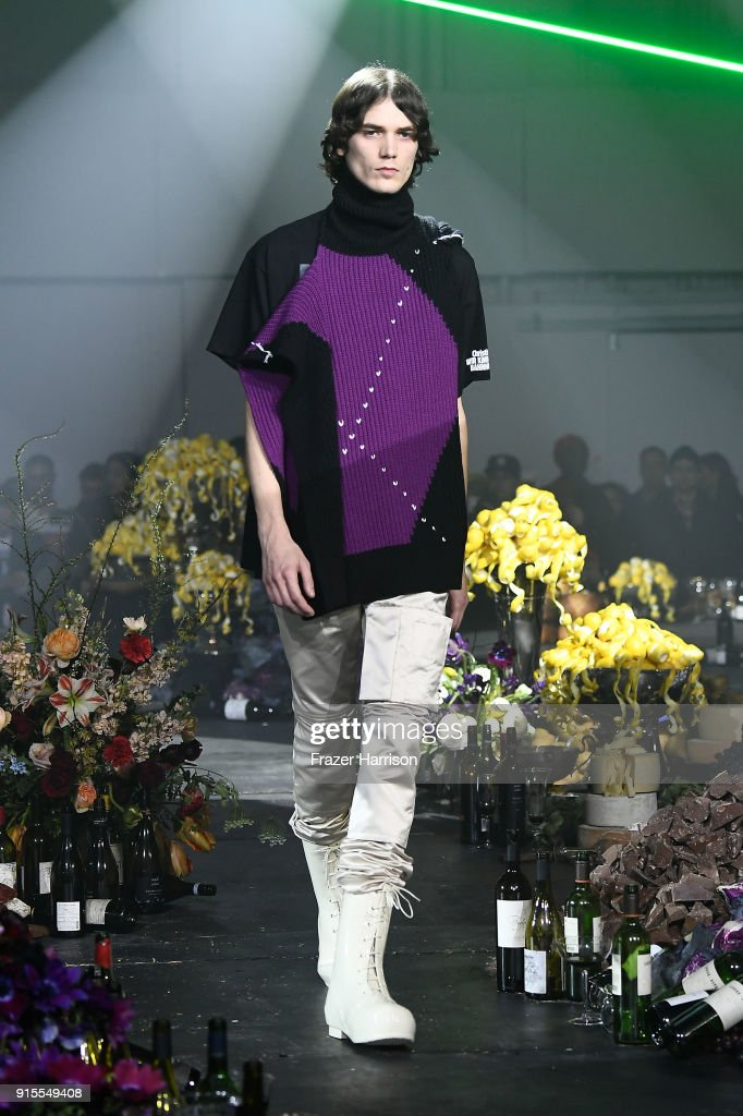 Raf Simons - Runway - February 2018 - New York Fashion Week Mens' : News Photo