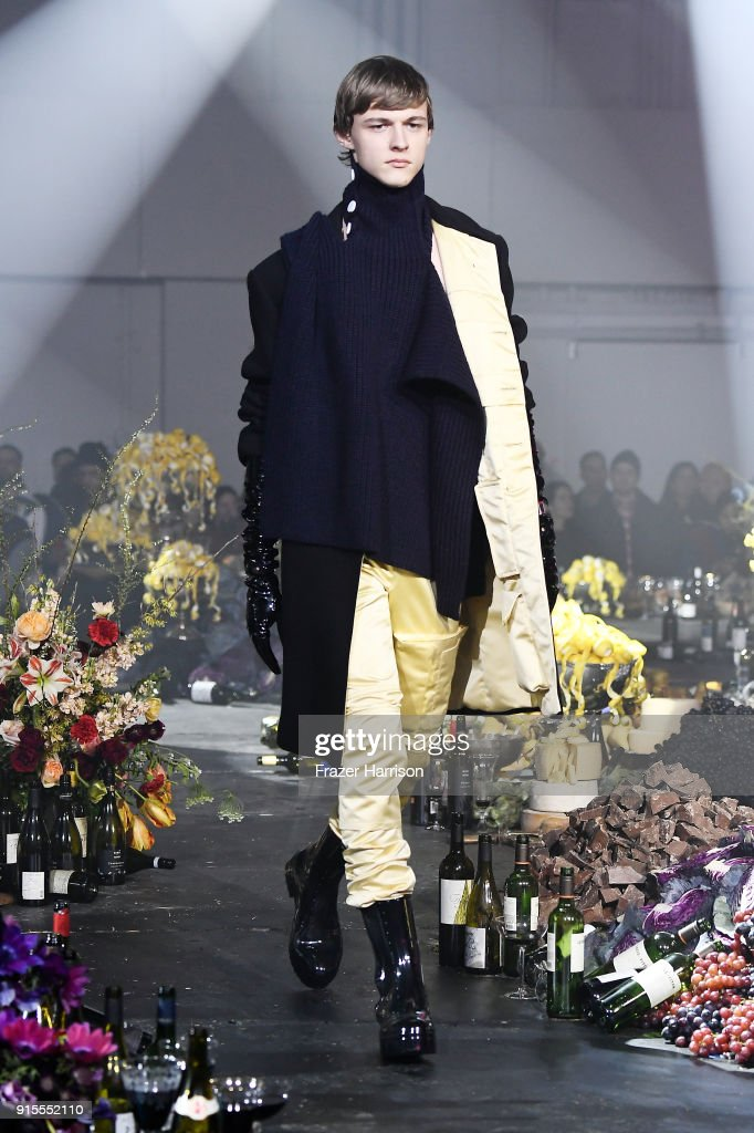 Raf Simons - Runway - February 2018 - New York Fashion Week Mens' : ニュース写真