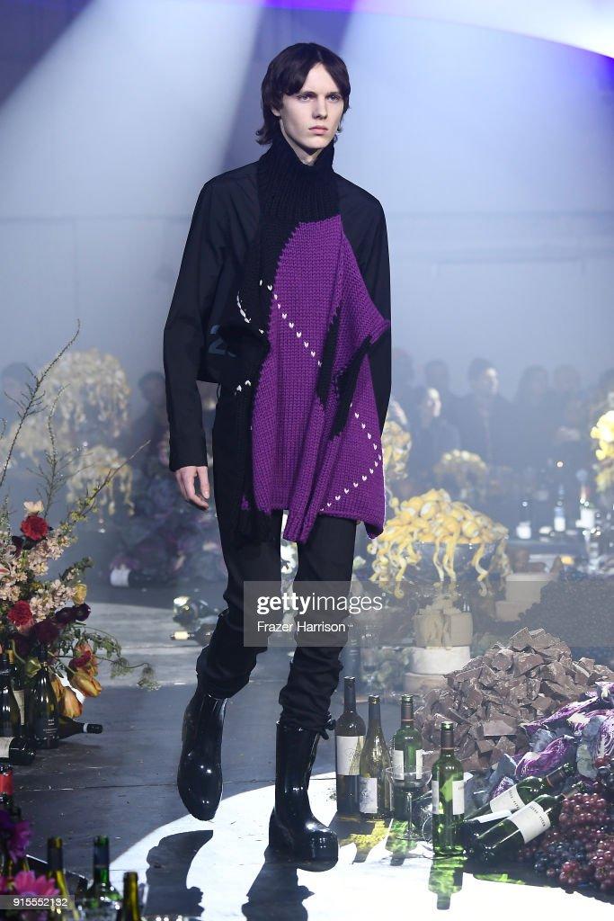 Raf Simons - Runway - February 2018 - New York Fashion Week Mens' : ニュース写真