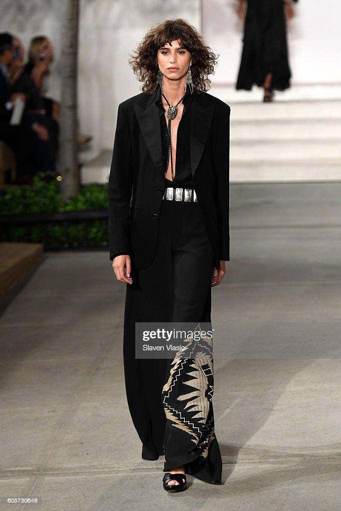 Ralph Lauren - Runway - September 2016 - New York Fashion Week : ニュース写真