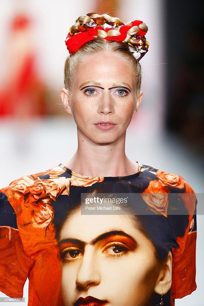 Rebekka Ruetz Show - Mercedes-Benz Fashion Week Berlin Spring/Summer 2016 : Nachrichtenfoto