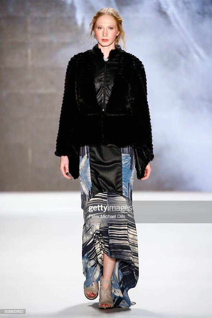 Rebekka Ruetz Show - Mercedes-Benz Fashion Week Berlin Autumn/Winter 2016 : Nachrichtenfoto