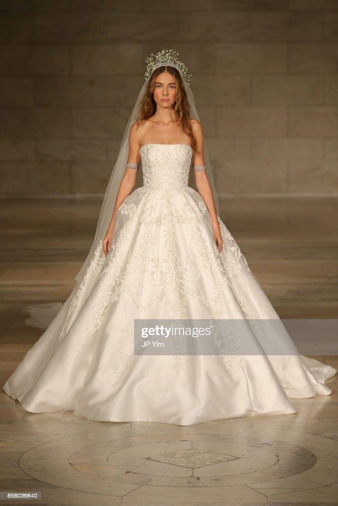 A Model Walks The Runway At Reem Acra Fw 2018 Bridal Show New