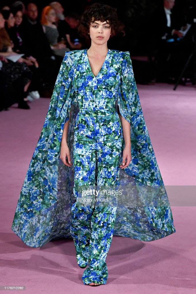 Richard Quinn - Runway - LFW September 2019 : Photo d'actualité