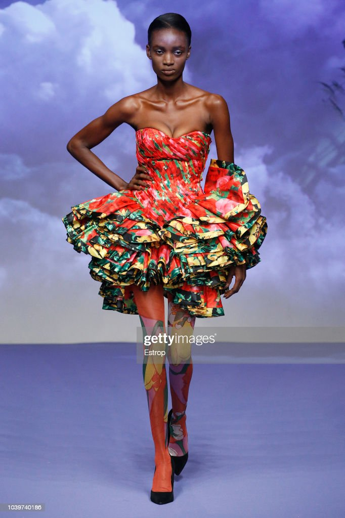 Richard Quinn - Runway - LFW September 2018 : Nachrichtenfoto