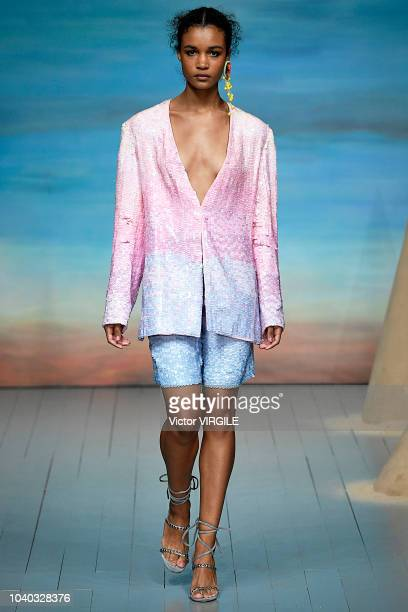 Model walks the runway at the Roberta Einer Ready to Wear Spring/Summer 2019 fashion show during London Fashion Week September 2018 on September 18,...