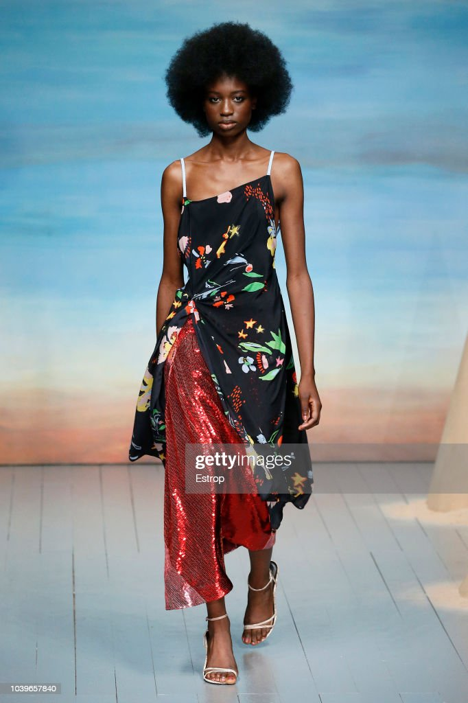 Roberta Einer - Runway - LFW September 2018 : ニュース写真