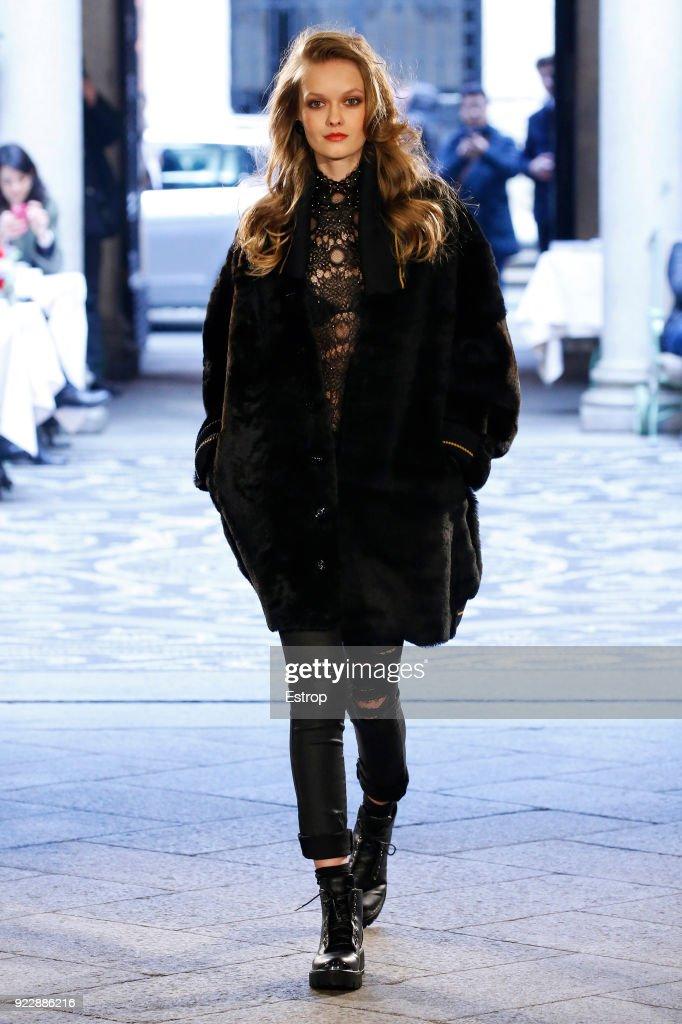 Roccobarocco - Runway - Milan Fashion Week Fall/Winter 2018/19 : News Photo