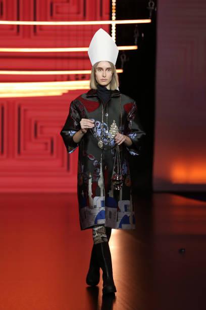 """ITA: Altaroma 2021 - Roi Du Lac """"L'Atene Del Nord"""" Fashion Show - Runway"""