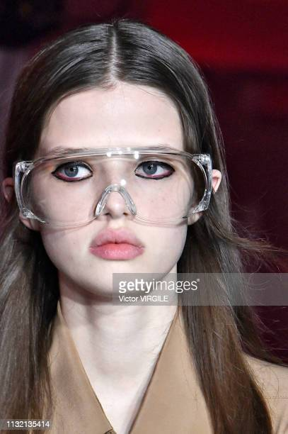 A model walks the runway at the Rokh Ready to Wear Fall/Winter 20192020 fashion show at Paris Fashion Week Autumn/Winter 2019/20 on February 25 2019...