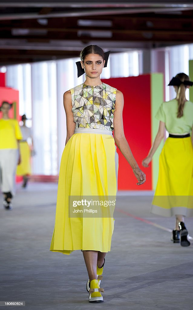 A model walks the runway at the Roksanda Ilincic show during London Fashion Week SS14 at The Place on September 16, 2013 in London, England.